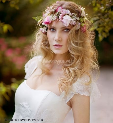 Magnifique coiffure avec fleurs