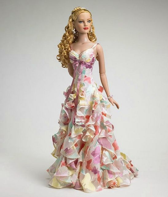 Robert Tonner's Dolls-one of my favorite American models! Confetti