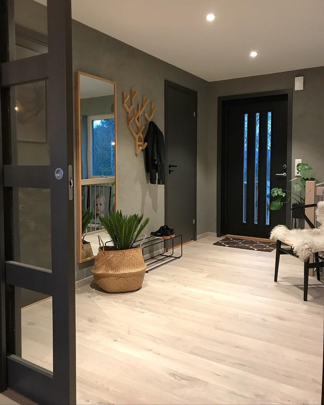 Floor idea   Déco entrée maison, Maison, Décoration salon appartement