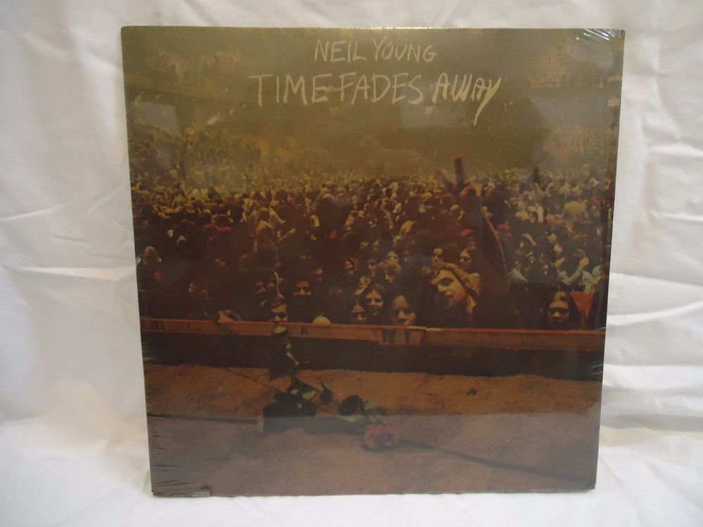 1973 Neil young Time Fades Away, Sealed 43 year old album!!  Nice!!