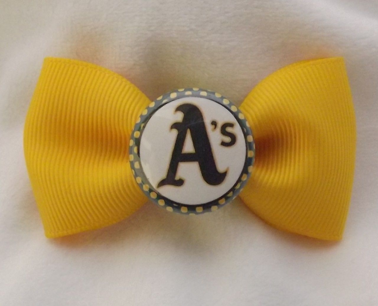 Bug's Bows - Oakland A's Athletics Baseball MLB Hair Bows, $5.00 (http://www.bugsbows.net/oakland-as-athletics-baseball-mlb-hair-bows/)