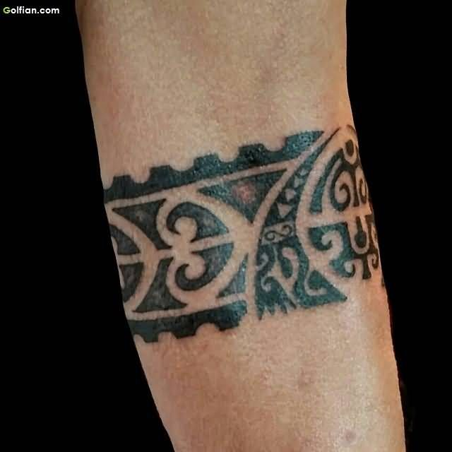 Black Ink Fabulous Maori Armband Tattoo On Men Forearm