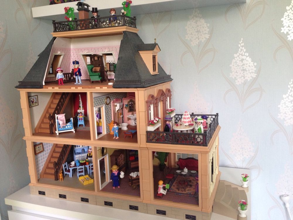 Victorian Playmobil Mansion 5300 With Furniture And