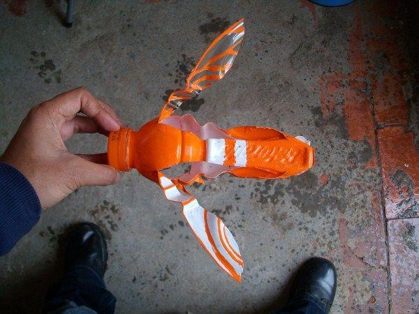 Diy plastic bottle bee halloween pinterest bottle for Plastic bees for crafts