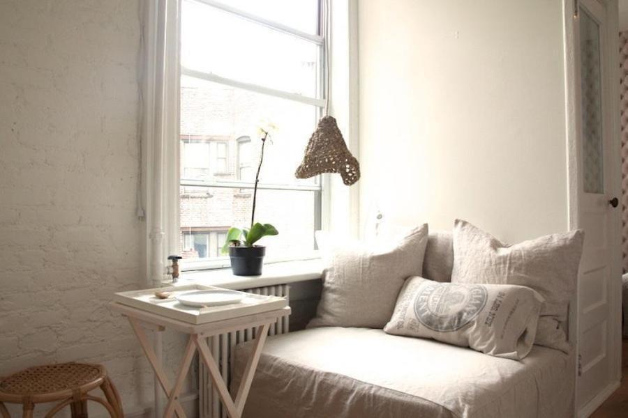 150 Sullivan Street 36 Rental In Soho Manhattan Small One Bedroom Apartment In A Tenement Bedroom Seating Bedroom Seating Area Banquette Seating In Kitchen