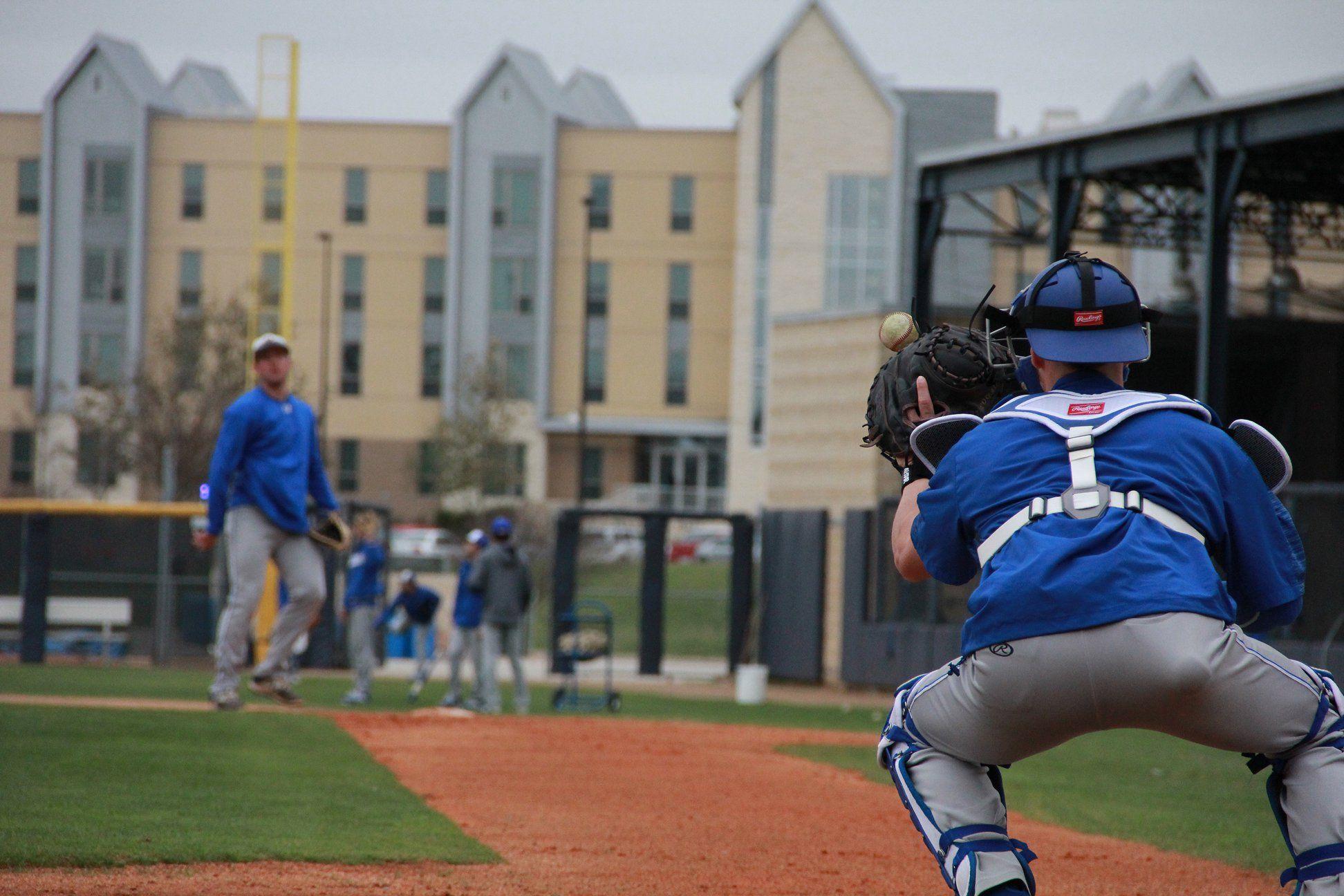Stmu Baseball Practice Athlete University Baseball
