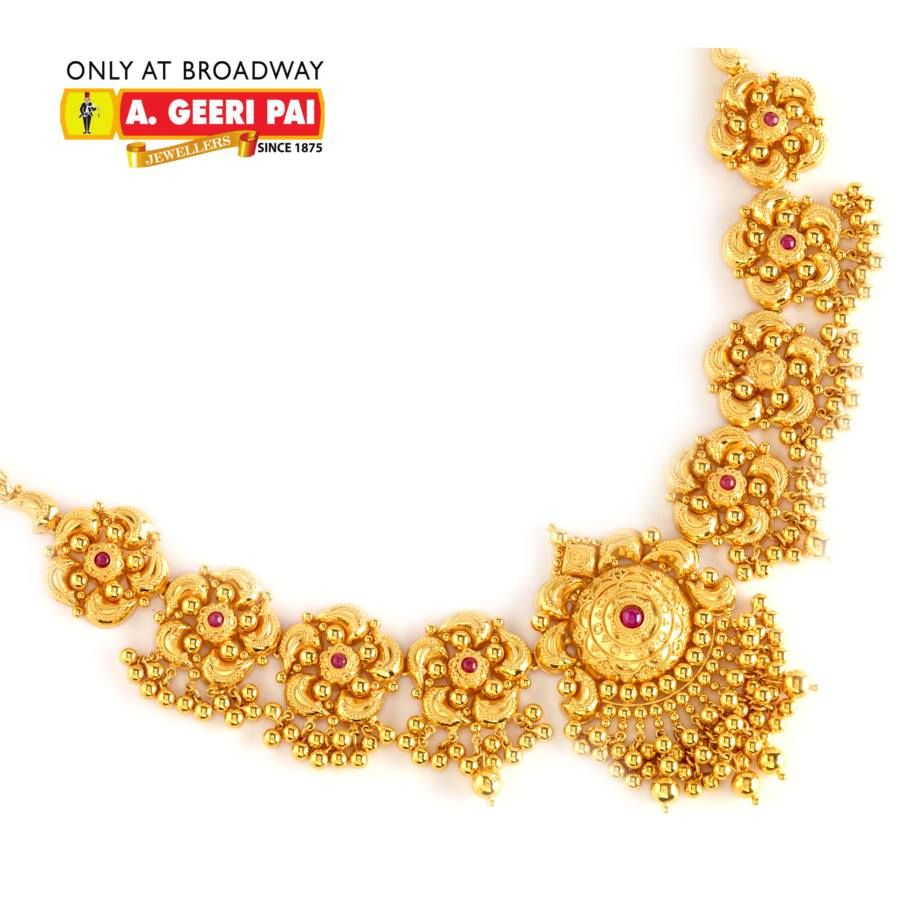 Beautiful 22 carat gold chains with matching pendant designs latest - Indian Jewellery And Clothing Beautiful Short Floral Design 22 Carat Gold Neckla
