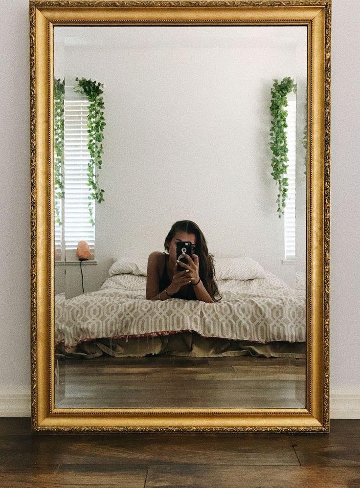 *New mirror selfie background be like* ☁️☁️ | Mirror