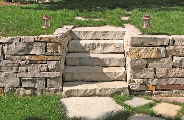 Gartentreppe Selber Bauen Und Sich Den Weg Durch Den Garten Erleichtern Gartentreppe Gartenmauer Designs Steinmauer Garten