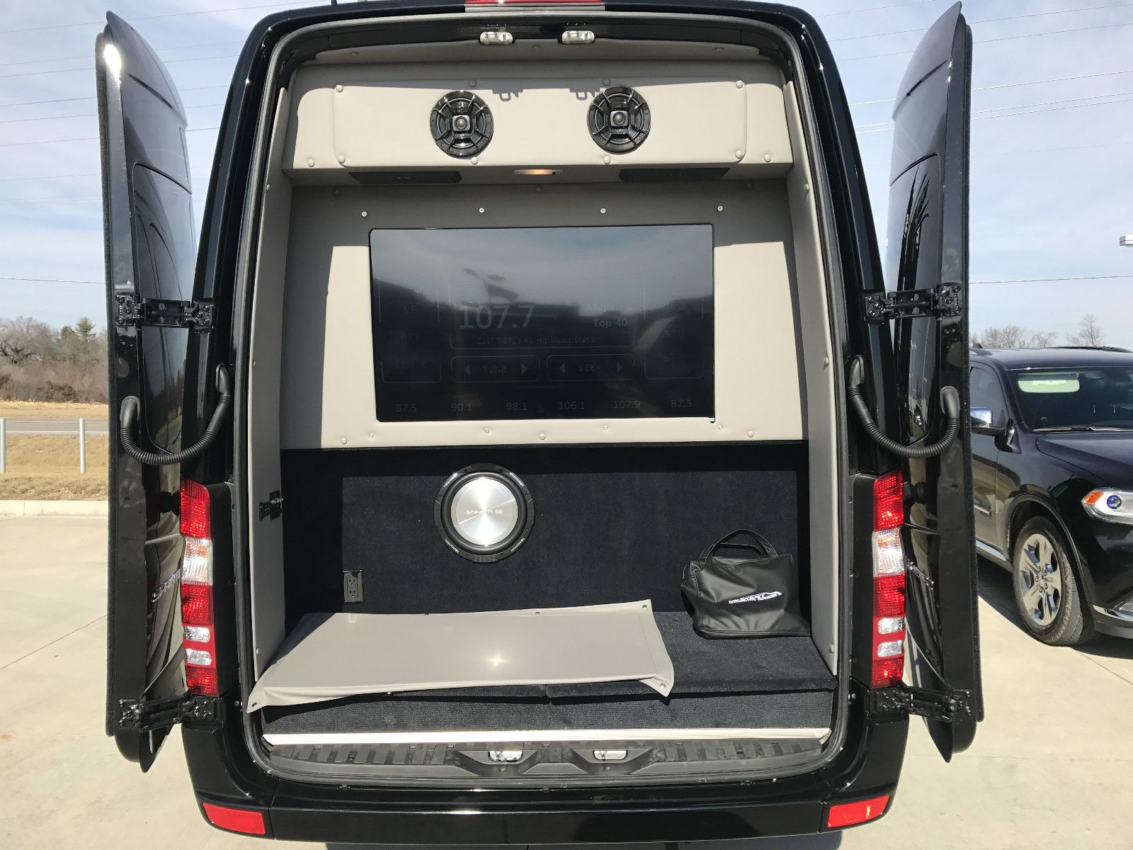 The minibuses based on the mercedes benz sprinter 2018 also gets to - Limo 2018 Check More At Https 24cars Ml My Desires Amazing 2017 Mercedes Benz Sprinter Executive Business Class 4x4 4 Wheel Drive 2017 Mercedes Benz