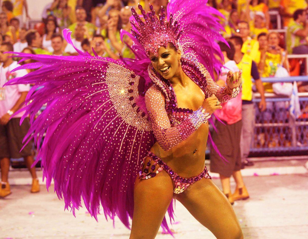 внесении фото танцующих бразильянок распространение получила жидкая