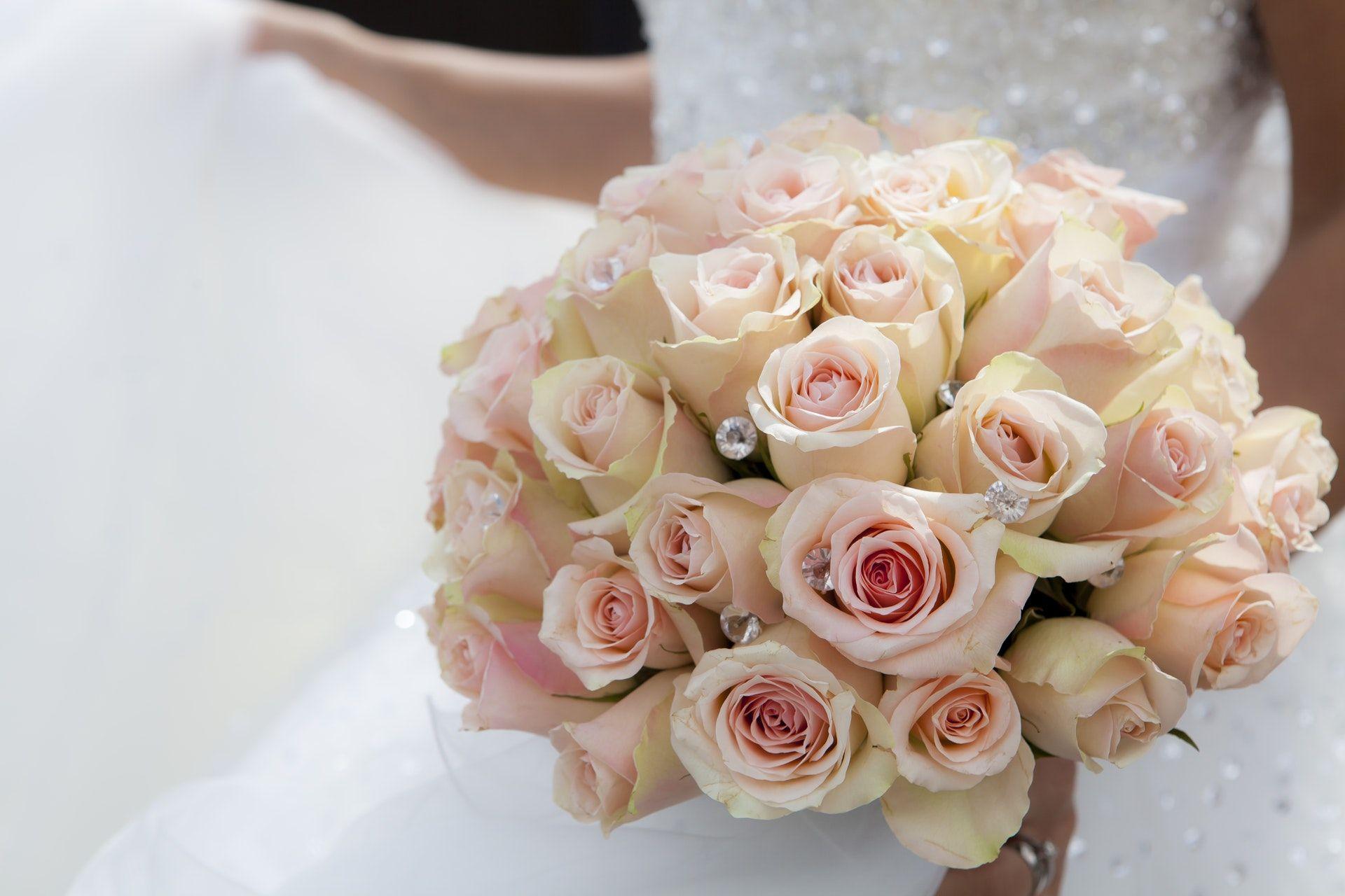 اجمل صور بوكيه ورد لاعياد الميلاد وللأحبه موقع مصري Wedding Tips Beautiful Beach Wedding Perfect Wedding