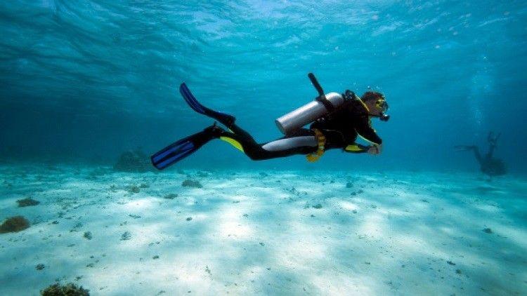العلماء يخترعون بلورة تسمح بالتنفس تحت الماء - RT Arabic