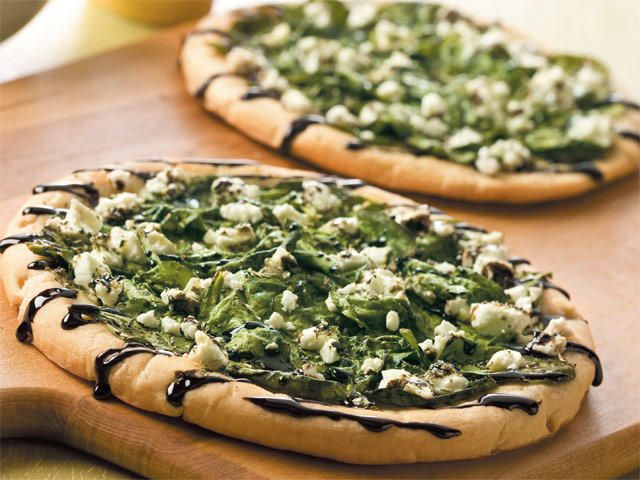 Pizza With Spinach Garlic And Feta Recipe | TheNest.com