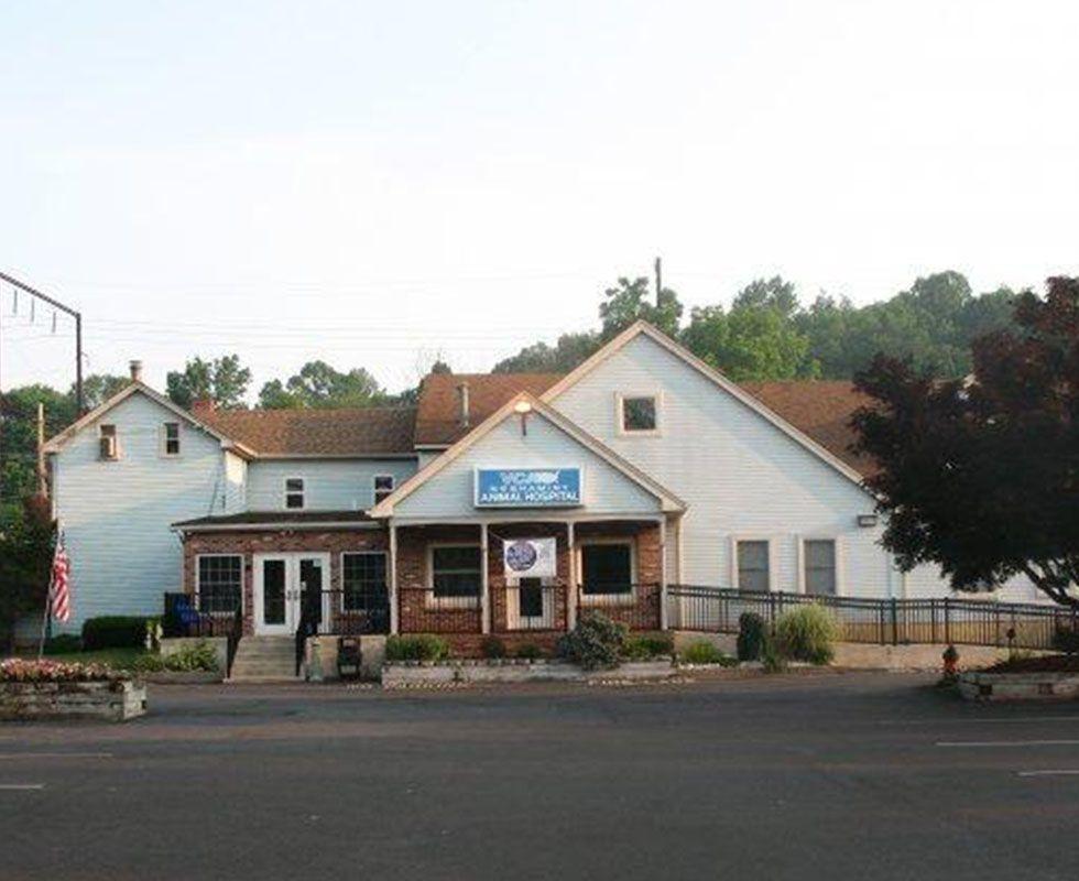 Hospital Picture Of Vca Neshaminy Animal Hospital 2153551116 Animal Hospital Hospital Pictures Hospital