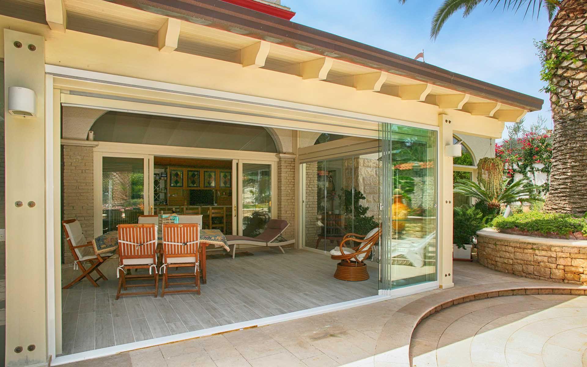 Vetrate terrazzo amazing stunning chiusura terrazzo con for Le belle vetrate scorrevoli