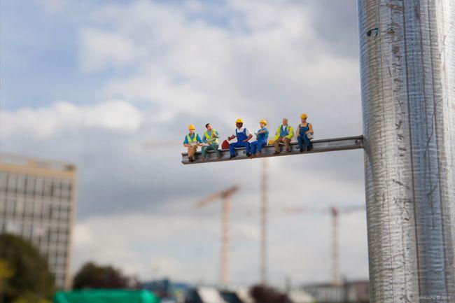 Construction Workers 1b - slinkachu