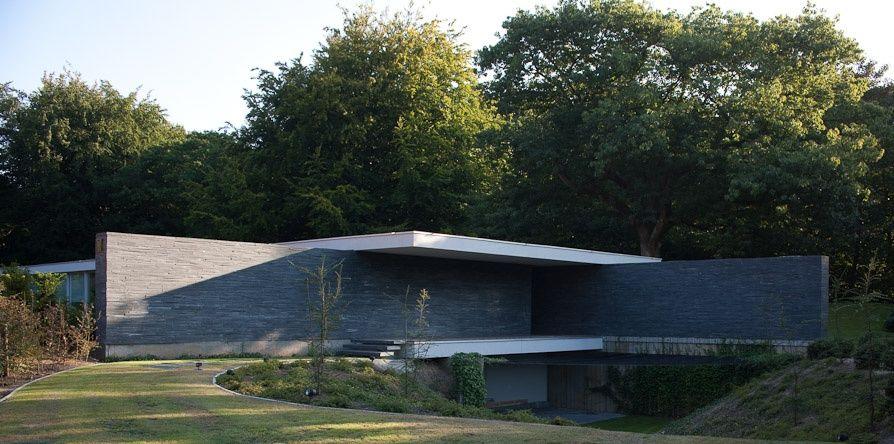 AABE - Atelier d'Architecture Bruno Erpicum & Partners. Very MIes nelle proporzioni