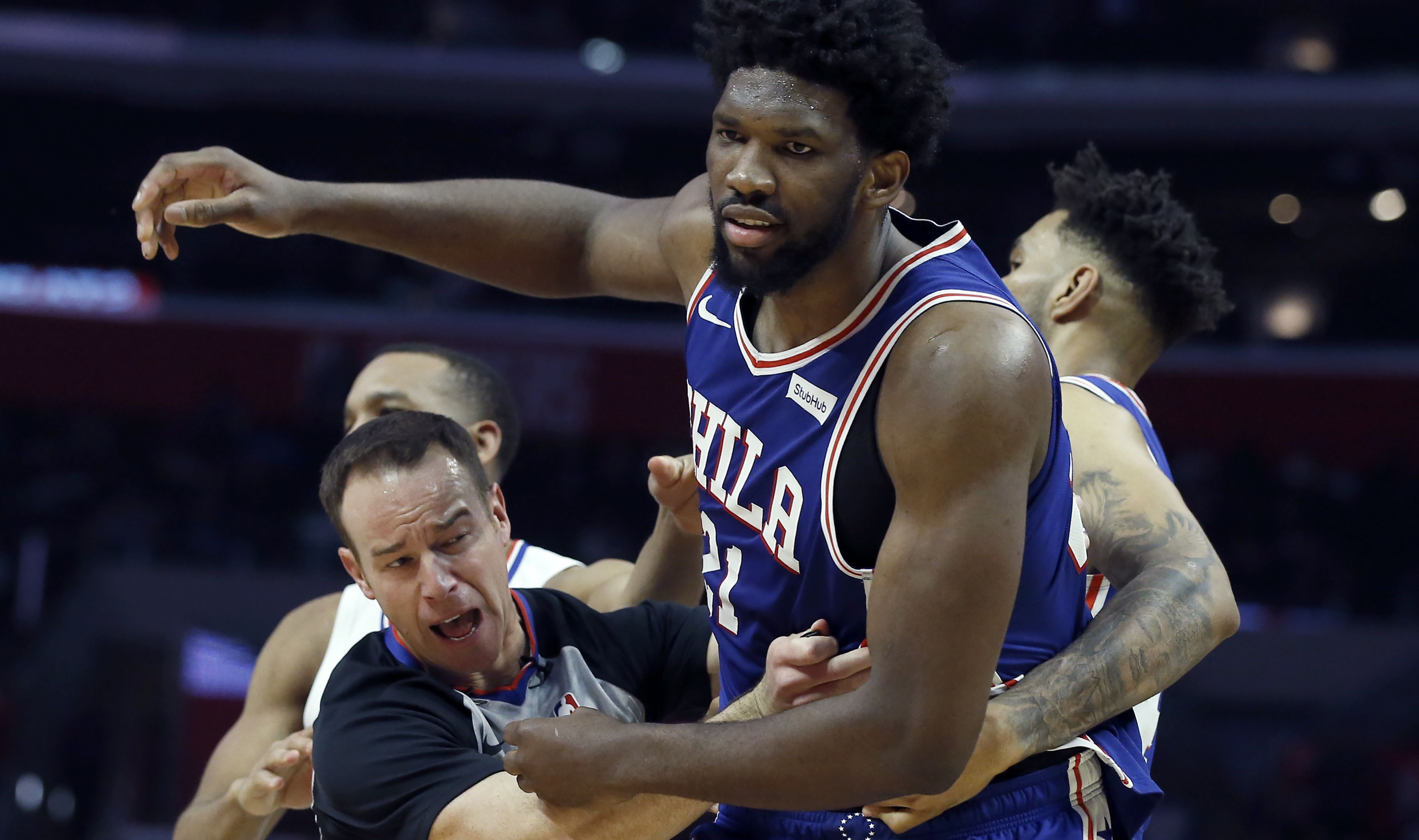 Chippy 76ers Clippers Game Results In Ejections Sports News 76ers Basketball News Sign Company
