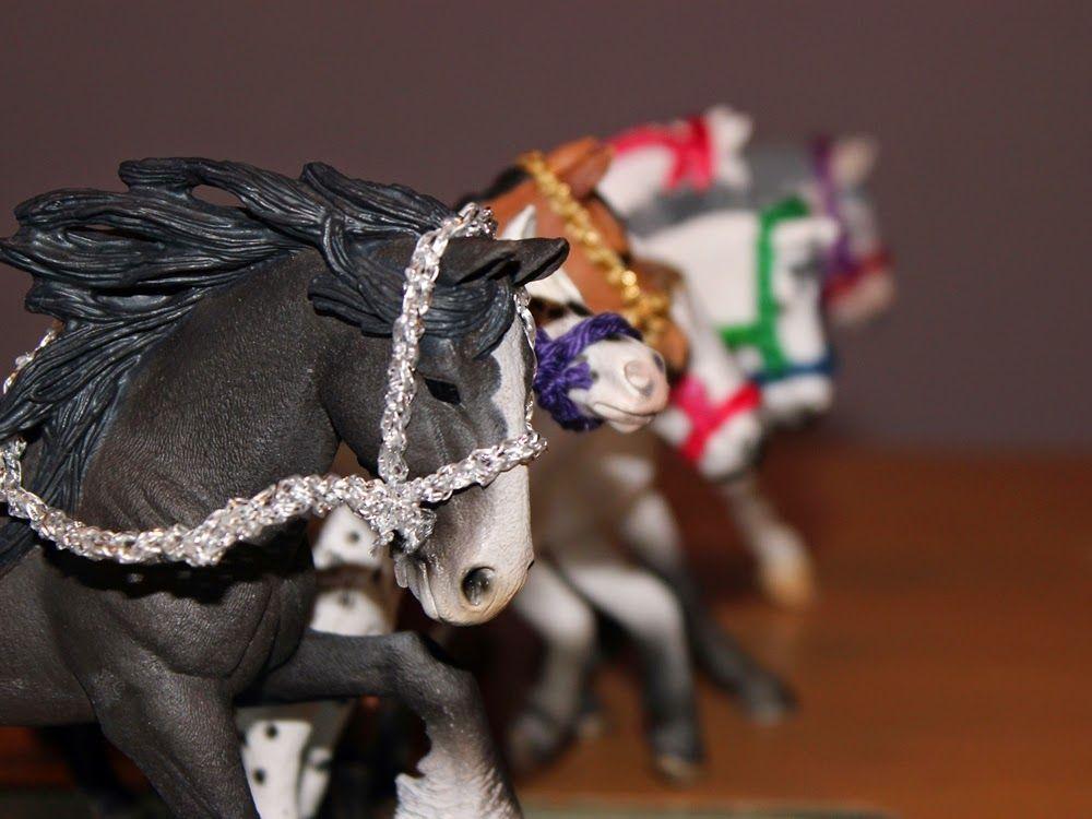 perlenhuhn selbstgemacht zubeh r f r die schleich pferde basteln pinterest pferde. Black Bedroom Furniture Sets. Home Design Ideas