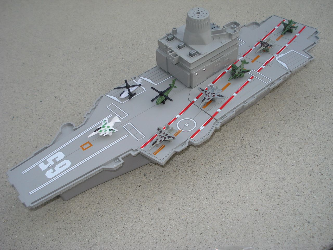 Item 5 Motor Max Toy 31 Inch Battle Zone Aircraft Carrier Play Set 4 Cast Planes