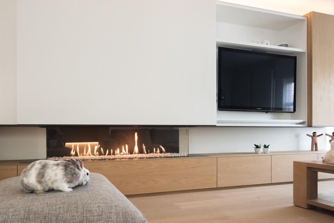 Tv Meubel Bovenkast.Haardwand Met Gashaard Ingebouwd In Een Combinatie Van Gelakte En