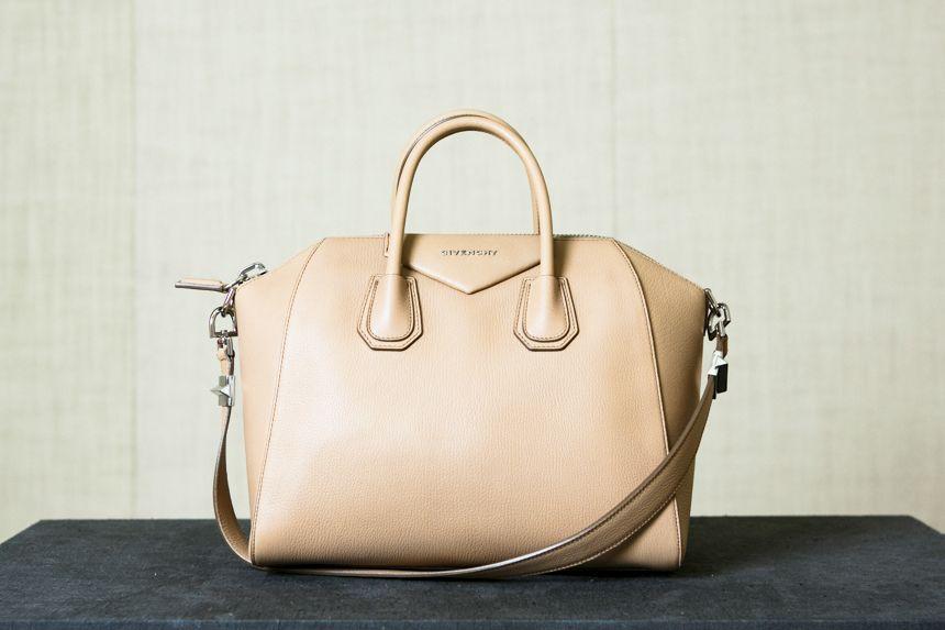 Pale pink Antigona bag by Givenchy #GenteRoma