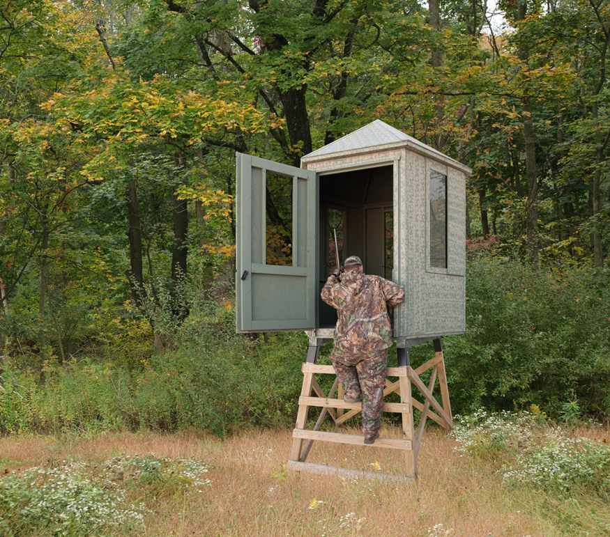 Deer blind doors inside the deer blind for Inside deer blind ideas