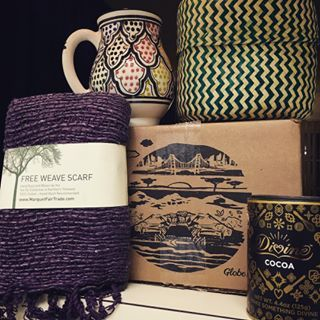 HANDMADE - GREAT GIFT BOX Subscribe to discover unique food and lifestyle products while supporting artisans from remote regions.