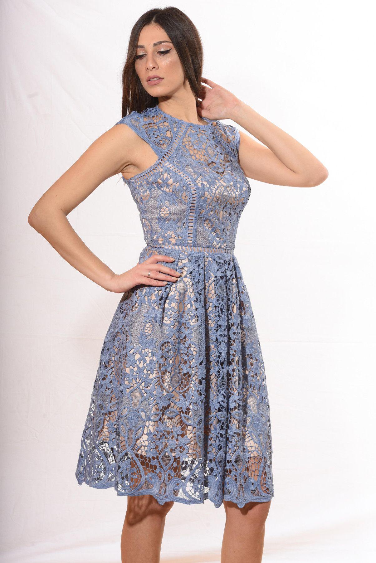 c65da3d4cc54 Φόρεμα κοκτέιλ κάτω από το γόνατο με αέρινη φούστα