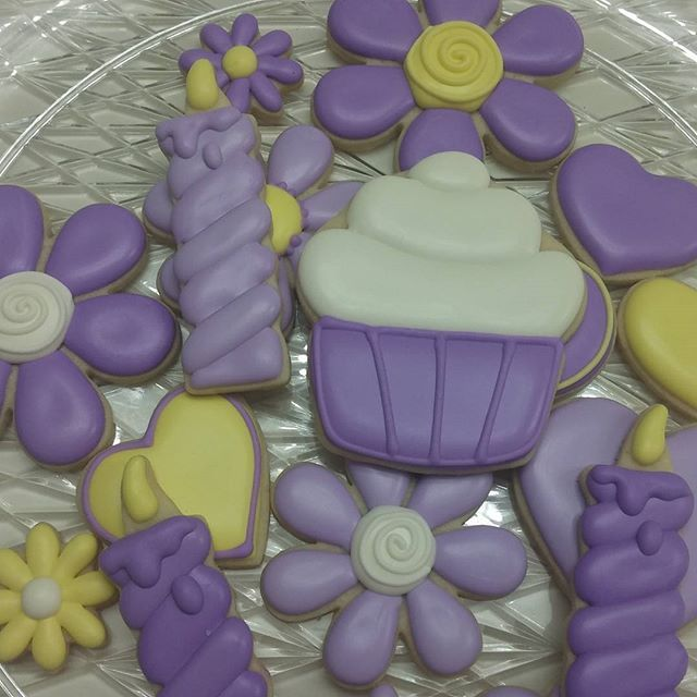 Pretty Birthday Cookies #happybirthday #cookies