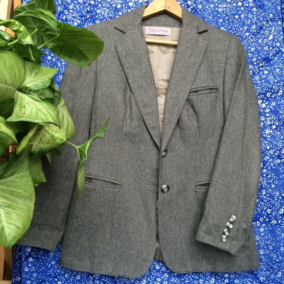 Wool blazer-like new! Such a beautiful design with a full lining! Blazer is like new and fits true to size! Evan Picone Jackets & Coats Blazers