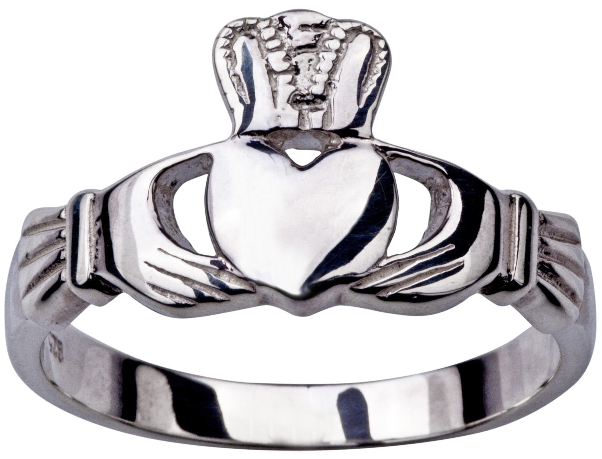 Jamie gives Rob a Claddagh Ring for their anniversary