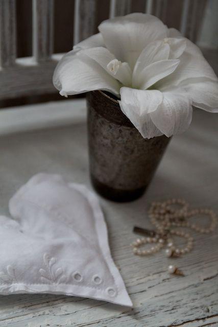 Marie Elisabeth's rum: December 2011 Blancos...