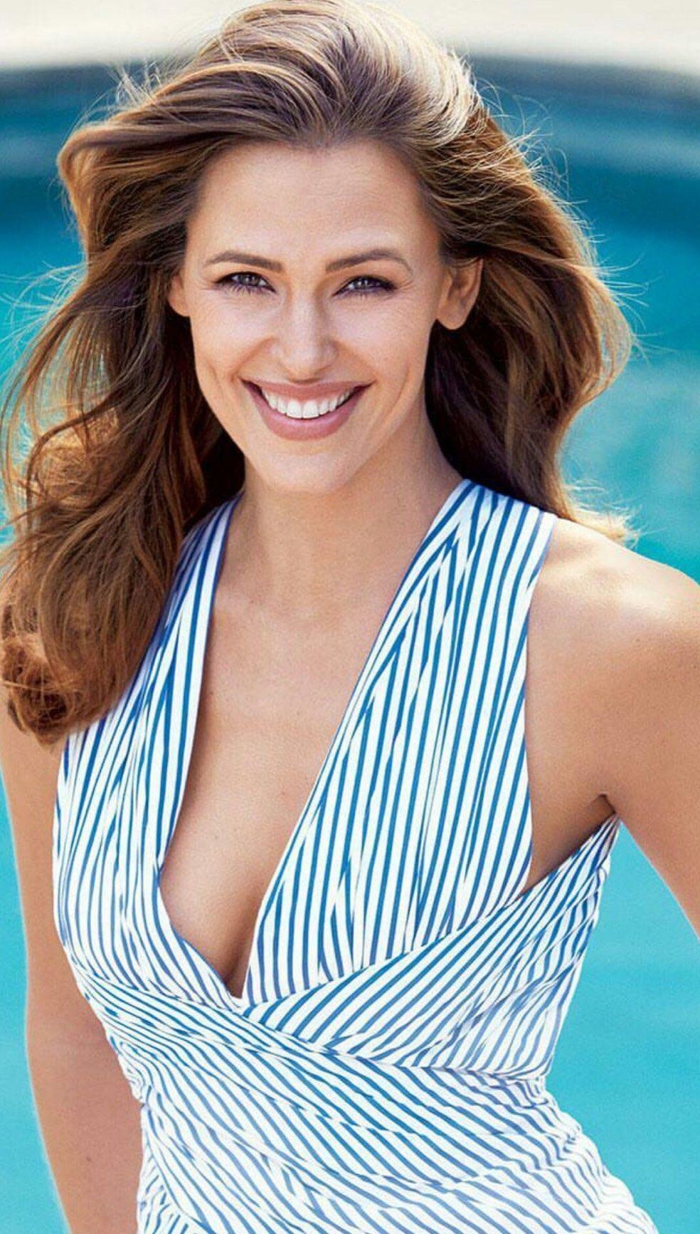 Photo of Jennifer Anne Garner, middle class Jennifer Anne Affleck (born April 17, 1972 in Hou …