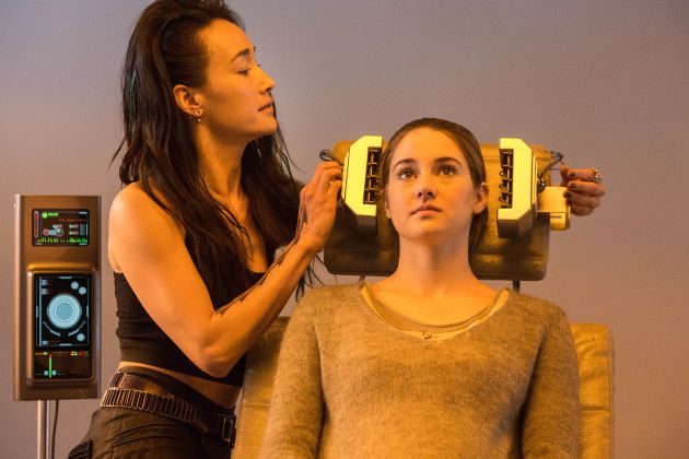 Divergent movie still - looks like Tris is getting ready for a simulation!