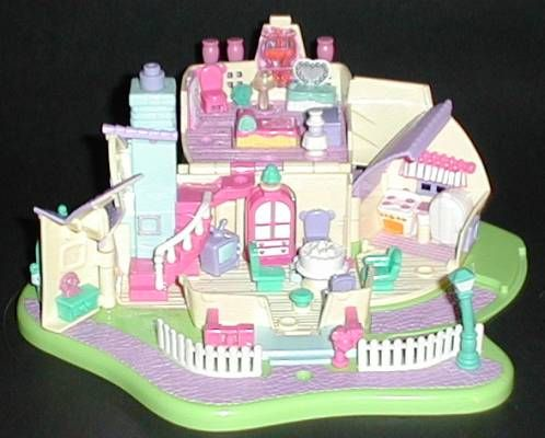 1995 - Disney Minnie Surprise Party - Bluebird Toys Mattel #14200 Minnie Light-up House Tiny Collection