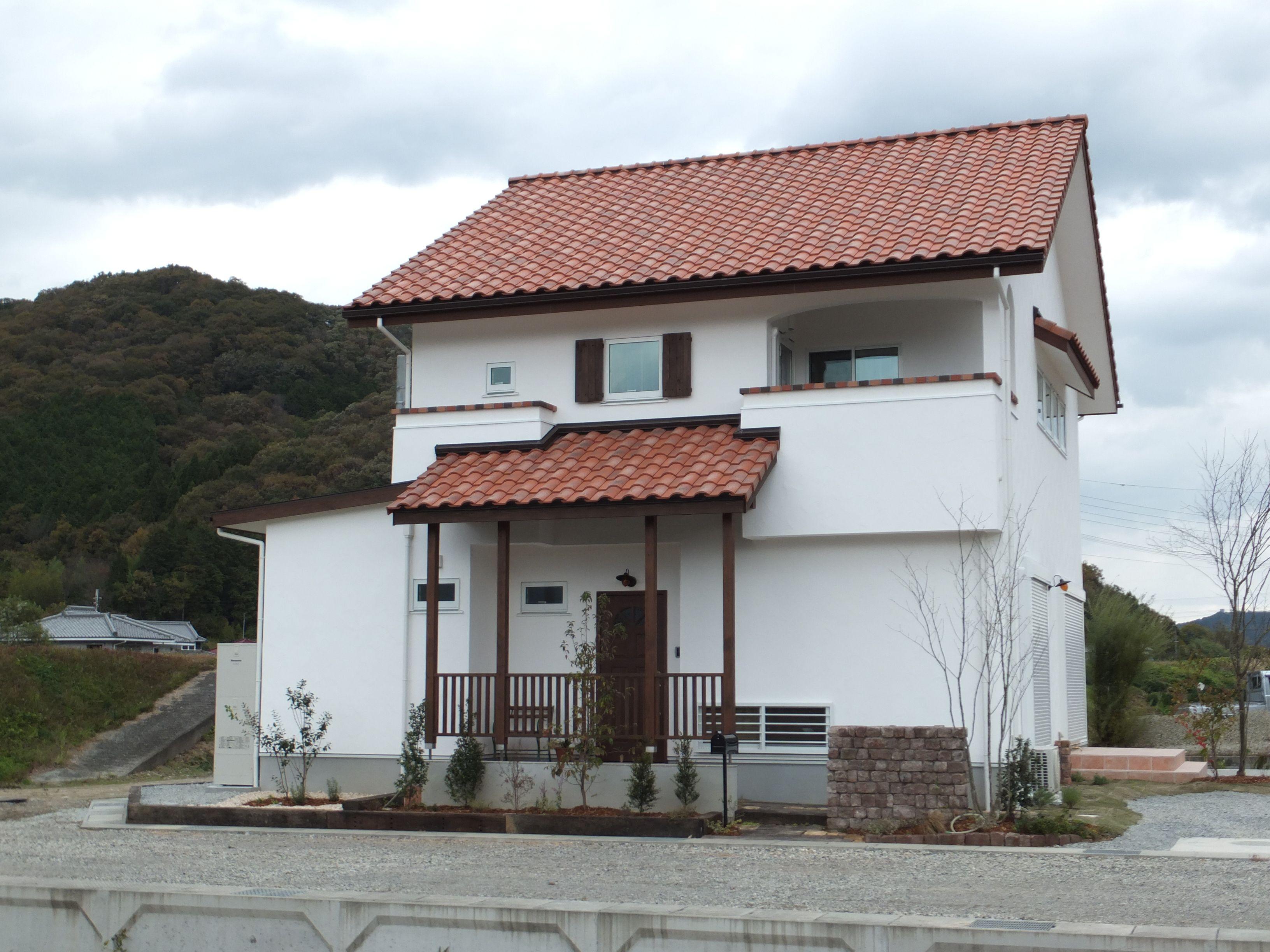 ケース98 赤い屋根 屋根 家 外観