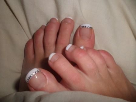 how to grow out toenails