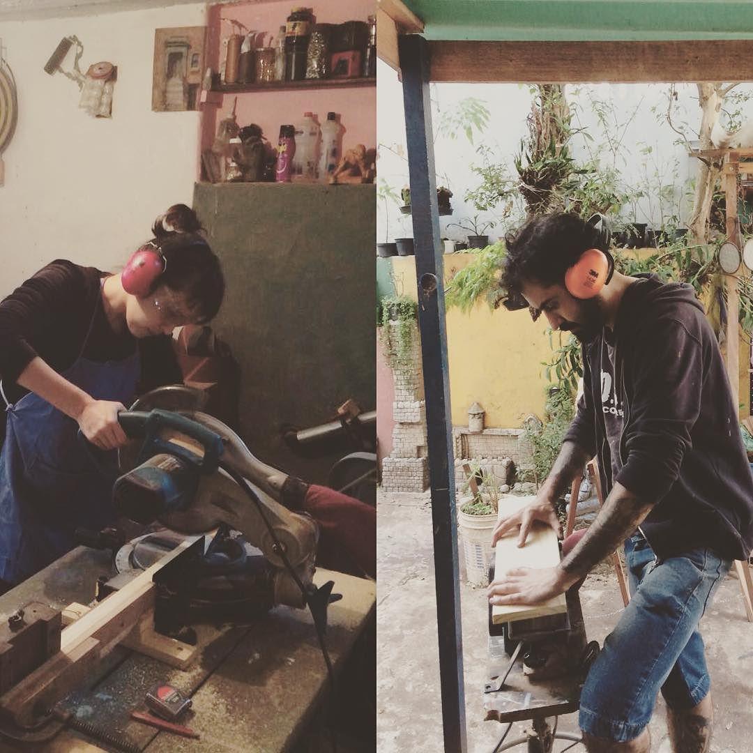 Feriado que nada!! A oficina Popoke está a todo vapor!!!!#popoke#woodwork #woodworking #lutepeloseusonho #oficina #igualdadenotrabalho #corpusfelizes de popoke.brasil