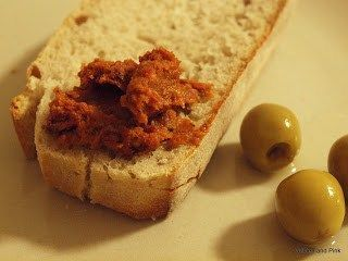Vegane Brotzeit – Brotaufstrich aus getrockneten Tomaten und Cashews -