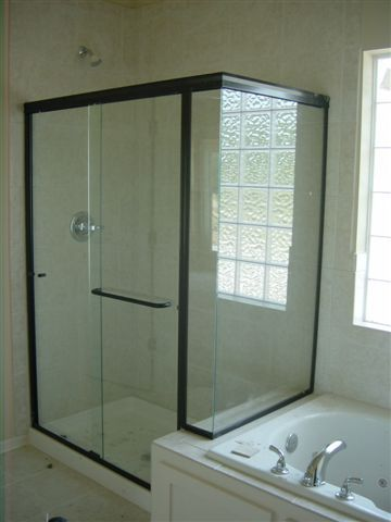 Delicieux Glass Shower Doors With Black Frame Light Glass Shower Doors | Lightweight  Glass Shower Door Replacement | Kansas City | Precision Glass