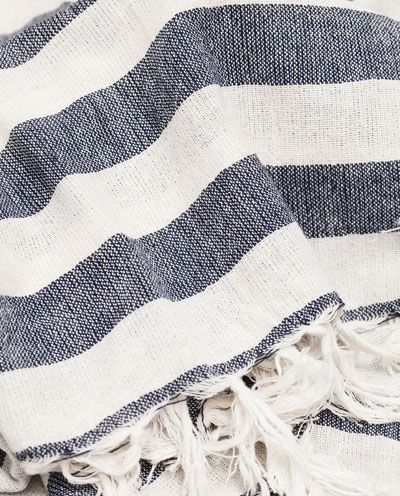 Image 2 of STRIPED SCARF WITH FRINGES from Zara