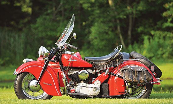 Put To Pasture 1948 Indian Chief Roadmaster Classic American Motorcycles Motorcycle Classics Vintage Indian Motorcycles American Motorcycles Indian Motorcycle