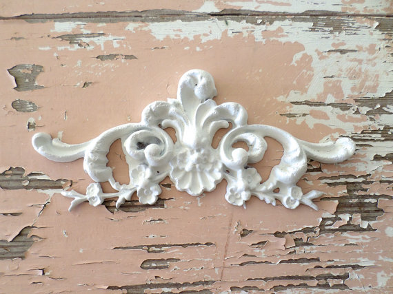 Shabby N Chic Architectural Floral Center Is Approx 2 1 8 X 4 3 4 Our Appliques Are Easy To Use J Shabby Chic Room Shabby Chic Bedrooms Shabby Chic Dresser