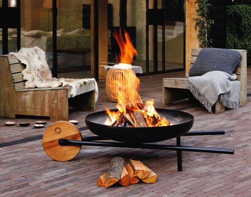 barrow feuerschale mit grillrost als schubkarre innovatives design von ding3000 f r konstantin. Black Bedroom Furniture Sets. Home Design Ideas