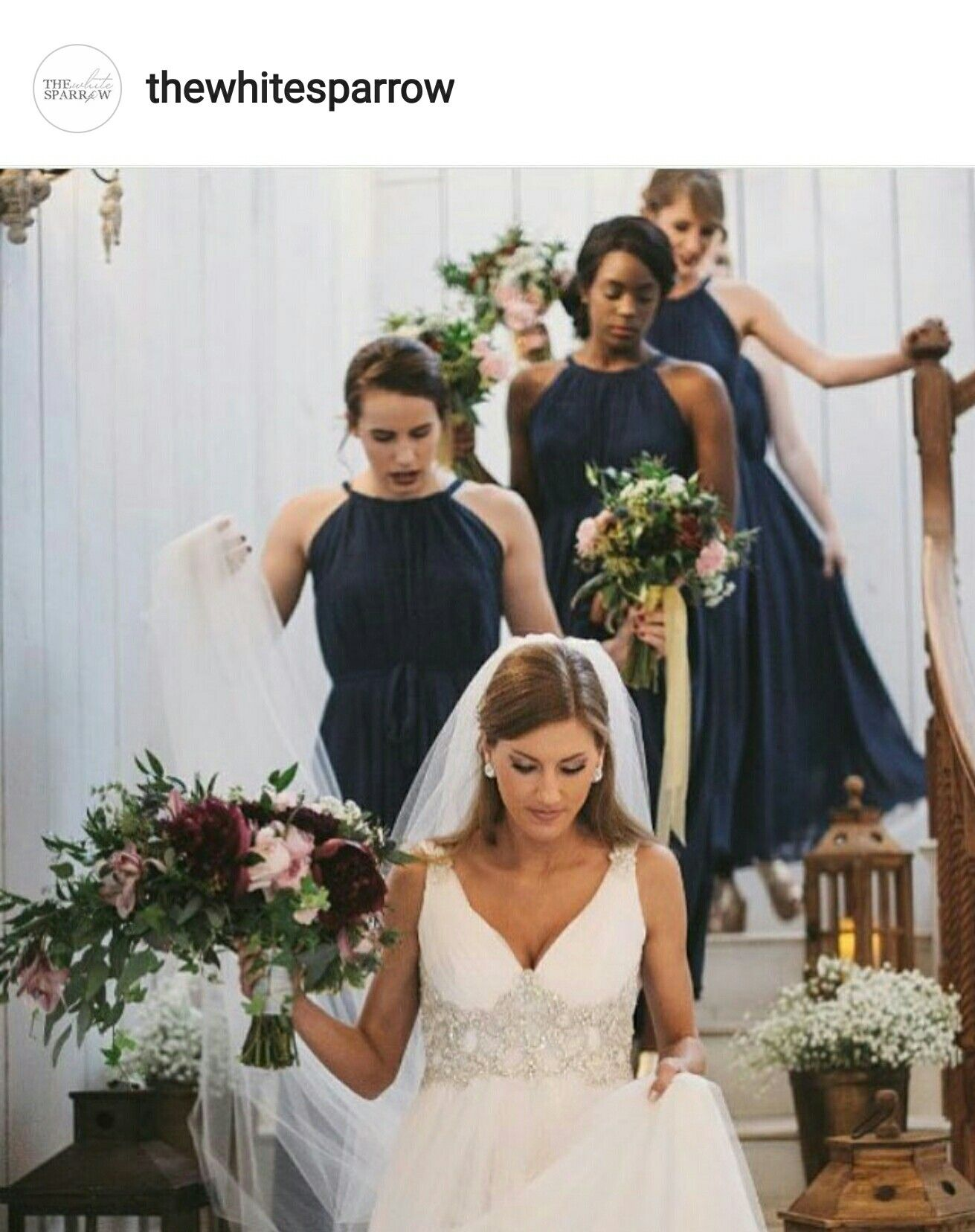 Bridal party stairwell frame | Capture the Moment | Pinterest ...