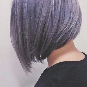 Lavandas krāsas mati 💜  Krāsojuma un griezuma autore @marta_salnaja #salonsgrieze #lavanderhair #frizētava