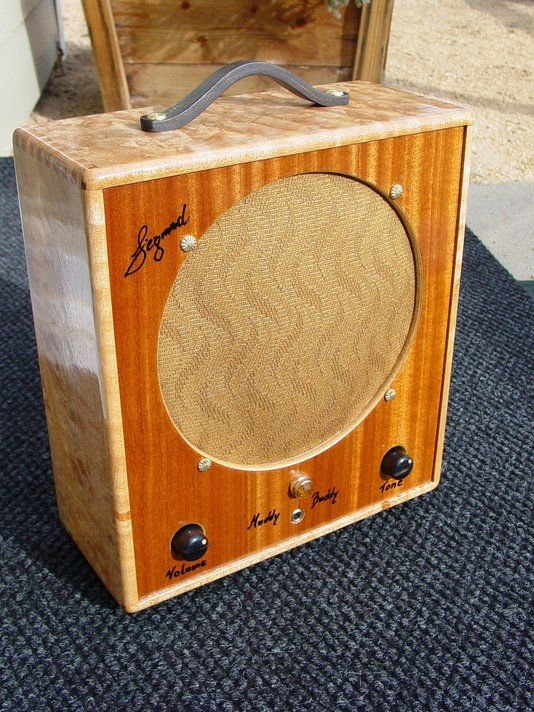 hand made muddy buddy guitar tube amplifier by siegmund guitars amplifiers. Black Bedroom Furniture Sets. Home Design Ideas