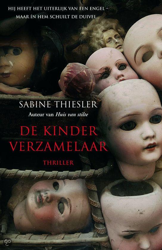 De kinderverzamelaar kruipt onder je huid. Als geen ander weet Sabine Thiesler een sfeer op te roepen die tegelijk zo levensecht en angstaanjagend is, dat je wel door móét lezen.